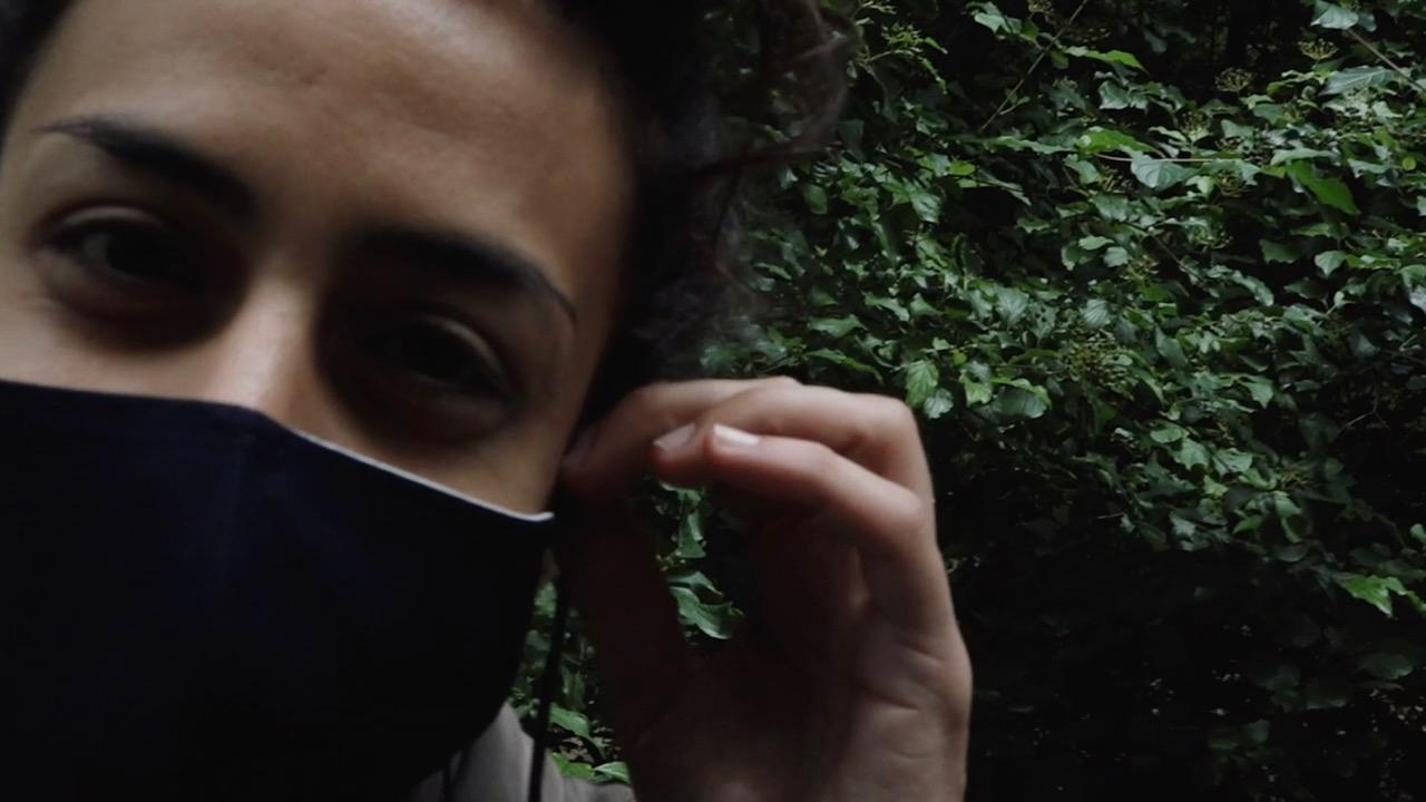 «Masken auf, die Hüllen fallen! Der Spielzeitfilm»